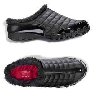 Cushion Walk Quilted Sporty Sneaker Slide - BLACK